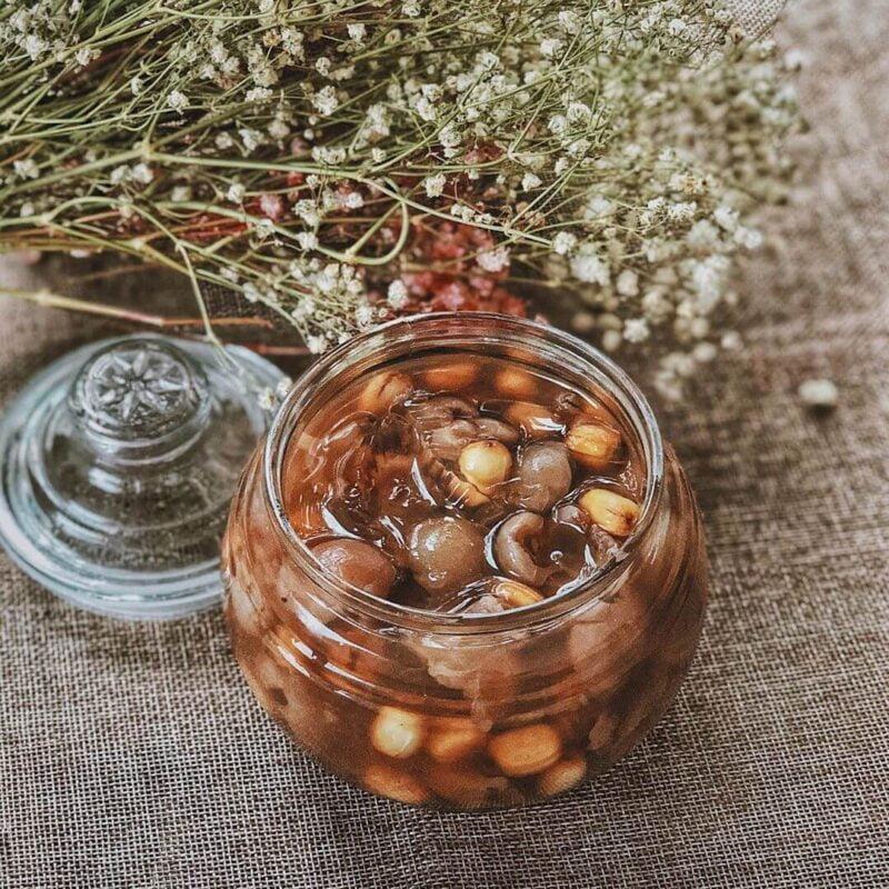 Liên Nhục (hạt sen) dùng nấu chè với long nhãn