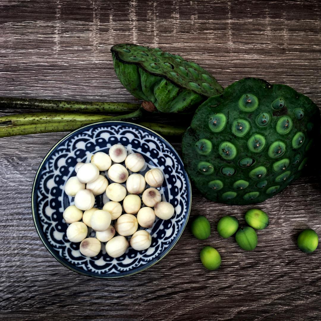Hạt sen dùng để chế biến thành trà hạt sen