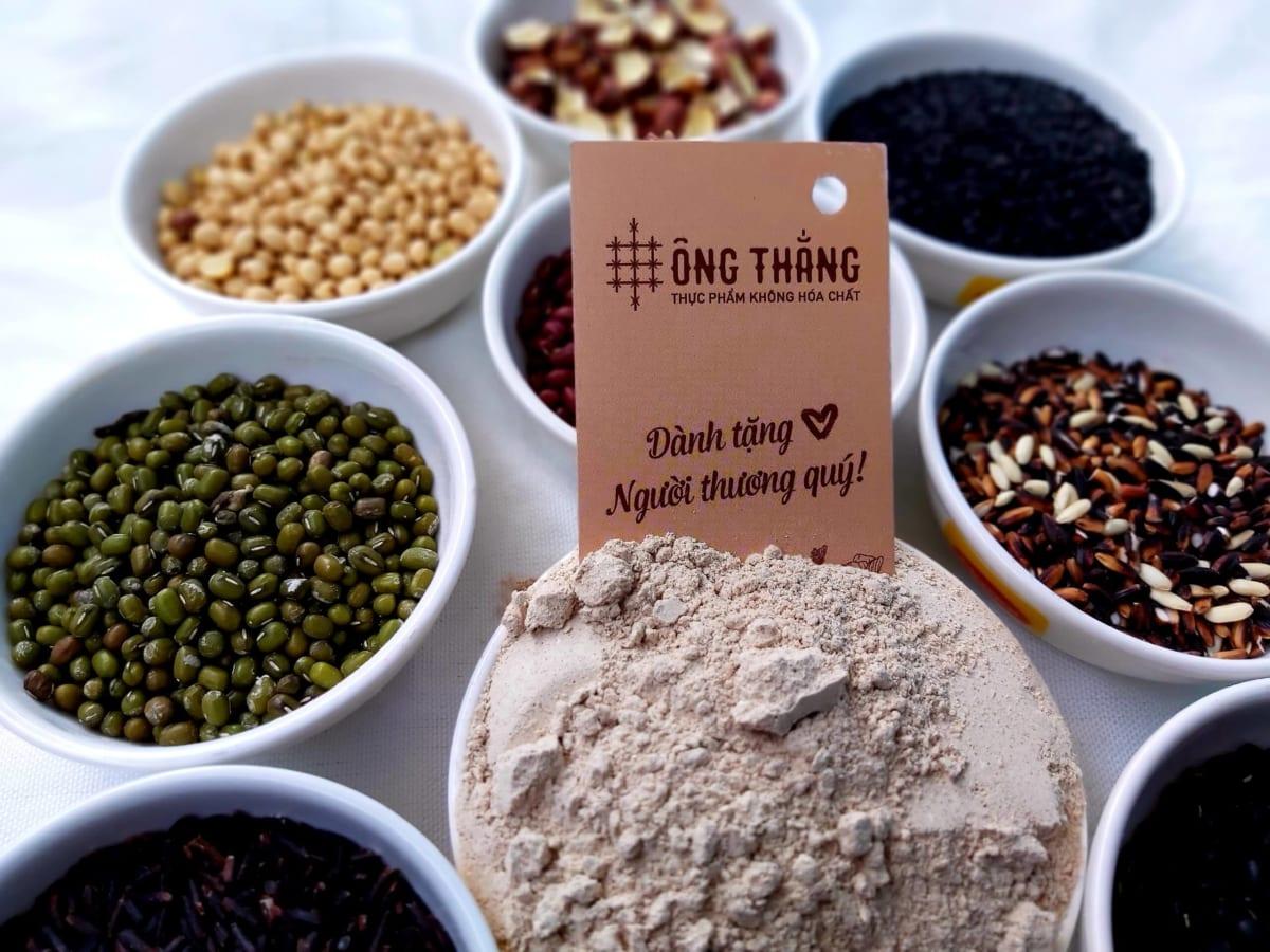 Bột ngũ cốc làm từ các loại hạt dinh dưỡng nên rất tốt cho sức khỏe