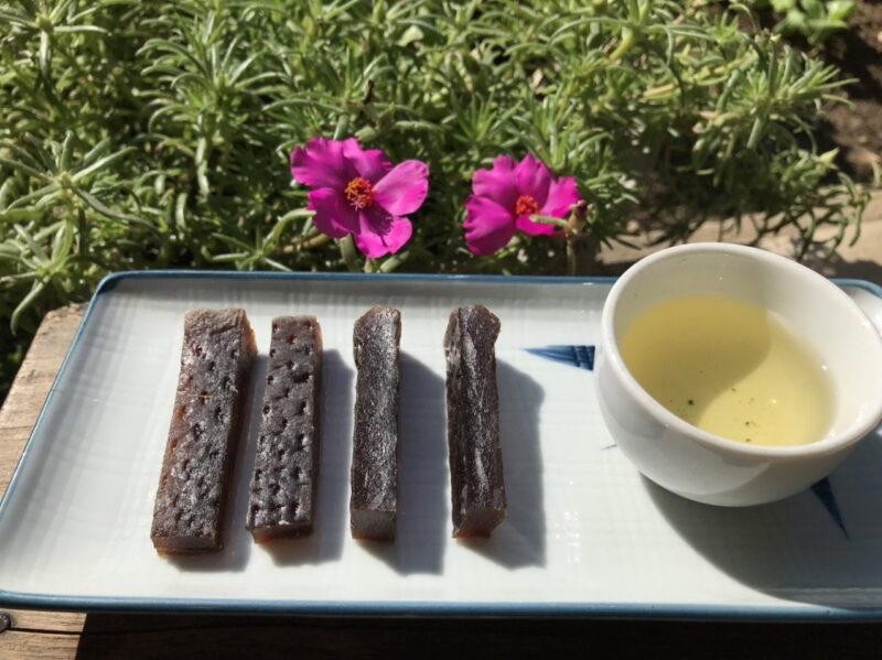 Đây sẽ là món nhâm nhi cùng tách trà nóng thơm ngon, dẻo mềm